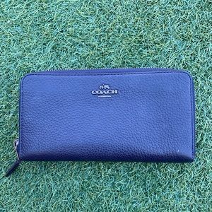 Coach zippy long wallet